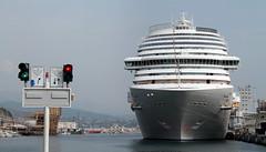 In the port of Savona (grachester) Tags: imhafen savona inthe portofsavona cruiseship kreuzfahrtschiff