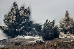 The Big Explosion (Fotografie mit Seele) Tags: volcano ibu halmahera indonesia explosion ash eruption lava grey