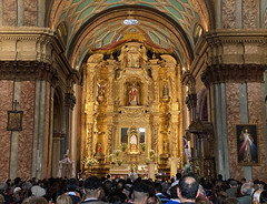 The Church of the Shrine (la Iglesia de El Sagrario)  at an elevation of 2,818 meters (9,245 ft) above sea level, Quito´s Historic Center, Ecuador. (ER's Eyes - Our planet is beautiful.) Tags: altar altarmayor thehighaltar thechurchoftheshrine laiglesiadeelsagrario church igreja oldtown centrohistórico barriohistórico unesco ecuador equador quito theandes trip travel southamerica osandes unescoworldheritagesite lacapital thecolonialcenterofquito thehistoriccenterofquito elcentrohistóricodequito