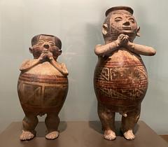Anthropomorphic Figure, Culture Carchi-Pasto (750 d.C. - 1550 d.C.), the Casa del Alabado Museum of Pre-Columbian Art, Quito´s Historic Center at an elevation of 2,850 metres (9,350 ft) above sea level, Ecuador. (ER's Eyes - Our planet is beautiful.) Tags: anthropomorphicfigure culturecarchipasto thespiritualworldoftheshaman elmundoespiritualdelchamán oldtown centrohistórico barriohistórico unesco ecuador equador quito theandes trip travel southamerica osandes unescoworldheritagesite lacapital museo museum museu casadelalabado precolumbianartifacts shamans theafterlife craftedceramicpieces jewelry ecuadorianindigenousart indigenousart obraprima masterpiece art arte worldheritageartwork s classicalmasterpiece sculpture escultura arteindígenaequatoriana museumcasadelalabado museodearteprecolombino museumofprecolumbianart themuseodearteprecolombinocasadelalabado precolumbianartmuseumhouseofpraise precolumbianartmuseum theindigenousamericans elalabado precolumbiancultures precolumbianart thecasadelalabadomuseumofprecolumbianart quito´shistoriccenter