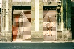 000039170034-3 (alexdotbarber) Tags: c41 cdmx centrohistorico contax contax3570mmf3556carlzeissvariosonnart contaxg2 mexico mexicocity analog autofocus colornegative f8 film filmphotography fish mural streetart