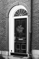 Beacon Hill Black Door BW (Susan Candelario) Tags: acornstreet beaconhill boston federalstyle massachusetts old oldfashioned susancandelario unitedstates antique antiques architectural architecture building classic cobble cobblestone cobblestonestreet curbstone door environment home house houses kerbstone land residence residential residentialbuilding rowhouse scenery shutter suburbanhome vintage window