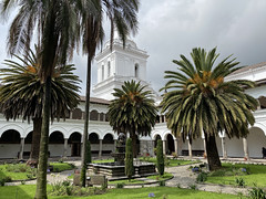 Iglesia y Convento de San Agustín, Quito´s Historic Center at an elevation of 2,850 metres (9,350 ft) above sea level, Ecuador (ER's Eyes - Our planet is beautiful.) Tags: history oldtown centrohistórico barriohistórico unesco ecuador equador quito theandes trip travel southamerica osandes unescoworldheritagesite lacapital laiglesiadesanagustín templo iglesia church igreja temple yard crypt convento museu museum elcentrohistórico quitodm franciscobecerra barroco churchofsanagustín oldtownquito portico migueldesantiago staugustine conventosanagustín monastery architecture moorisharches ecuadorsindependence theindependenceactofaugust161809 thequitoschool história historyold towncentro históricobarrio históricounescoecuadorequadorquitothe andestriptravelsouth americaos andesunesco world heritage sitela capital thecolonialcenterofquito thehistoriccenterofquito elcentrohistóricodequito