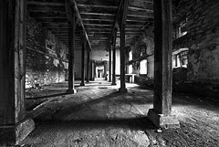 Urbex (Stephane Drd) Tags: urbex monochrome bw nb abandonedplace caserne militaire