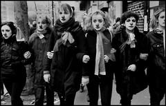 l'écoféminisme, manifestation contre la réforme des retraites 5 décembre 2019 paris. (alain boucheret) Tags: 5 décembre 2019 réforme retraite femme homme enfants ville paris manifestation macron republic en marche riche pauvre vie piaf activiste ultra gauche droite frosio boucheret lécoféminisme féministe écologiste