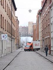 Göteborg 000052 (Torben*) Tags: rawtherapee dmcfz50 panasonic göteborg gothenburg schweden sweden sverige urlaub vacation strase street lieferwagen deliveryvan glc orange
