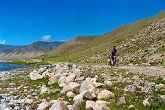 [027] (fotor0man[TianShan2002]) Tags: ef28105f3545iiusm eos300 mountains asia tyanshan negativelabpro cycling road filmshot fujifilm superia dslrscan kyrgyzstan