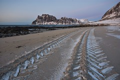 Getting back on track (Rudi Verspoor) Tags: beach nikon nature norway natural snow sea sigma seaside sand mountains mountainscape mountain rocks landscape wideangle winter walking 1020mm d7200