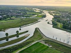 SMS_20190914_0717_A3+_Luchtfoto_rivier_de_Lek_en_Lekkanaal_Fcr.jpg (Luchtfotografie SiebeSwart.nl Aerial Photography) Tags: locks sluizencomplex landscape lekkanaal kanaalkruising nederland bouwen aerial barge iwt holland aanleg sluice sluiscomplex wederopbouwgebied bouw civilengineering luchtfotos sluis binnenvaartschip luchtfoto netherlands kanaal inlandnavigation aerialphoto aerialshot beroepsvaart renovatie wegenwaterbouw prinsesbeatrixsluis kanaalverbreding construction vaarroute lock binnenvaartschepen barges prinsesbeatrixsluizen binnenvaart landschap sluizen
