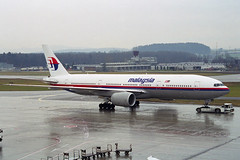 Malaysia Airlines Boeing 777-2H6/ER 9M-MRI (M. Oertle) Tags: malaysiaairlines boeing 7772h6er 9mmri