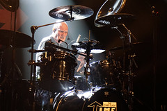 The CHRIS SLADE TIMELINE (from AC/DC) (Philippe Haumesser (+ 9000 000 view)) Tags: drum concert concerts live scène stage groupe groupes band bands rockband rockbands musicien musiciens musician musicians batteur drummer batterie acdc 2019 thechrissladetimeline sonyilce6000