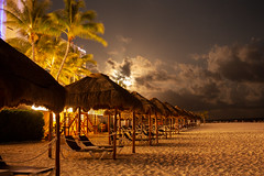 Playa a la luz de la luna (Mauricio Ayala) Tags: beach playa luna paisaje