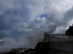 Nubes de mar (chelocatala) Tags: nubes cielo olas carretera piedras cullera valencia