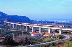 74981 (220 051) Tags: e636 e636457 italien italia italy italie italië италия 意大利 itaalia იტალია ιταλία イタリア 이탈리아 itália италија italija ประเทศอิตาลี itálie italya olaszország eisenbahn railway ferrovia bahn rail spoorweg spoorwegen railroad jernbane ferrocarril kolej järnväg chemindefer železnica železnice dráha rautatie железная 鉄道 σιδηρόδρομοσ 铁路 기차 zug train treno tren comboio trein tog tåg pociąg vlak juna поезд 列車 τρένο