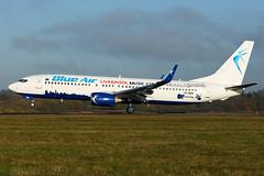 YR-BMH | B738 | BLUE AIR | EGGW (Ashley Stevens images) Tags: luton airport eggw ltn canon eos aircraft aeroplane aviation civil airplane yrbmh