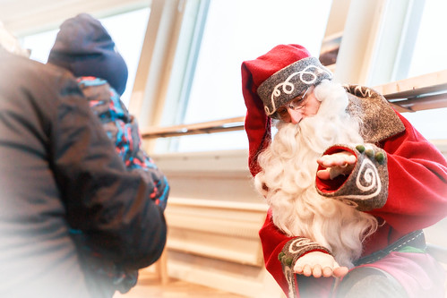 Joulupukki Puijontornissa