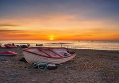 Una mañana de verano... (mariacabo65) Tags: playa barcos sol amanecer cabodegata lasnegras almería españa