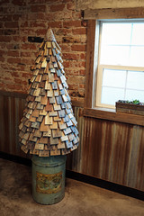A very pallet Christmas (No Stone Unturned Photography) Tags: christmas tree merry pallet wood diy