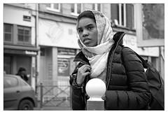 DSCF6309 (srethore) Tags: photo de rue street bw candid people 7artisans 35mm
