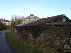 Old Building, Monmouthshire-Brecon Canal, Griffithstown, Pontypool 13 December 2019 (Cold War Warrior) Tags: canal griffithstown pontypool coedygric railway