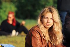 Signe (JaaniicB) Tags: canon eos 100mm f28l portrait lady girl blonde labadaba festival sunset
