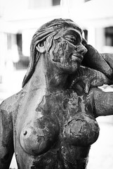 der Lack ist ab (UlvargHS) Tags: statue büste frau mallorca ausflug reisen sw ulvarg sony