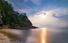 Sunset on the beach from Bako National Park (Andrelo2014) Tags: borneo sarawak landscape beach national park sunset sonnenuntergang sony a7iii ilce7m3