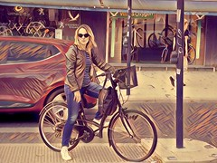 Toulouse style (O'Brien Photography) Tags: france toulouse cyclist woman style