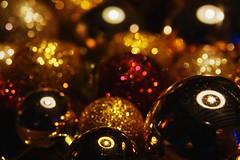 Light and dark résonances en harmonies HSoS (Résonances en Harmonies) Tags: lightanddark smileonsaturday bauble reflections light dark darkness color gold macro bokeh dof depthoffield warm résonancesenharmonies resonance harmonie