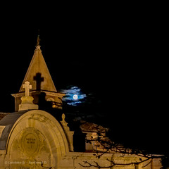 Sanctuaire Notre-Dame de Grâce, Rochefort du Gard (laudato si) Tags: moon lune rochefortdugard notredame sanctuaire