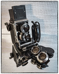 C22 65 105 Grip (NoJuan) Tags: cameraporn cameraportrait mamiya c22 mamiyac22 lensporn mediumformat twinlens squareformat 120rollfilm