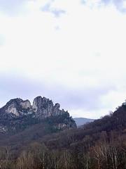 cloudy seneca rocks II (GAWV) Tags: senecarocks westvirginia cloudy rain fog pendeltoncounty december cold clouds roadtrip alleghenymountains