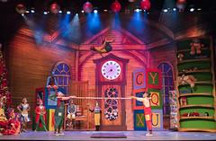 EAG_7588r (crobart) Tags: spring board springboard tinkers toy factory cirque circus artists acrobatics winterfest winter festival canadas wonderland cedar fair amusement theme park