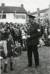 Renkum Politieman Jan Middelbos Foto ca 1960 Coll Fien Bos (Historisch Genootschap Redichem) Tags: renkum politieman jan middelbos foto ca 1960 coll fien bos