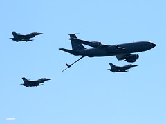 190821_09_AC_NJAG_KC135 (AgentADQ) Tags: atlantic city new jersey air show airshow thunder over boardwalk aviation flying nj national guard refuelling demo flyby plane airplane kc135 f16