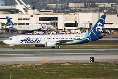 Alaska Airlines Boeing 737-990 N274AK (Mark Harris photography) Tags: spotting klax la canon 5d plane