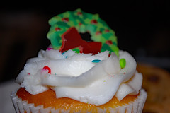 Wreath On Frosting. (dccradio) Tags: lumberton nc northcarolina robesoncounty indoors indoor inside food eat snackdessert cupcake frosting icing wreath cake dessert sweets treat christmas holiday nikon d40 dslr december friday fridaynight fridayevening evening goodevening winter