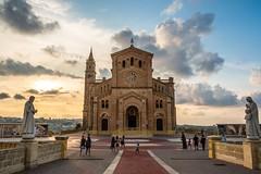 Sanctuaire national Ta' Pinu sur Gozo (uluqui) Tags: fuji fujifilm xt20 xtrans architecture religion church malte malta vacance holiday wander wanderlust light sky blue sunset
