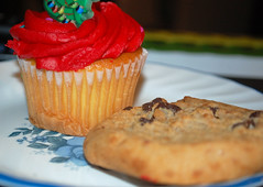 Cupcake And Chocolate Chip Cookie. (dccradio) Tags: lumberton nc northcarolina robesoncounty indoors indoor inside food eat snackdessert cupcake frosting icing christmastree cake dessert sweets treat christmas holiday nikon d40 dslr december friday fridaynight fridayevening evening goodevening winter cookie chocolatechip corelle plate