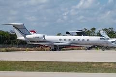 M-SQAR Gulfstream G550 5179 KFLL (CanAmJetz) Tags: msqar gulfstream g550 5179 kfllfll bizjet aircraft airplane dirty nikon