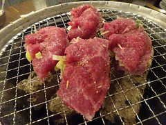 Wagyu beef with scallion@Marumichi, Tokyo (Phreddie) Tags: bbq yakiniku horumon restaurant tokyo japan meat party wagyu beef drink happy night dinner