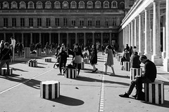 Palais Royal - Paris (baladeson) Tags: monochrome mono blackwhite noiretblanc noirtblanc paris palaisroyal