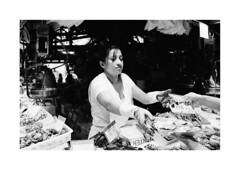 Market_Barcelona (Koprek) Tags: konicahexaraf kodaktrix 400 film analog barcelona 135mm spain streetphotography stphotographia stphotography street october 2019 market trade