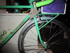 Inspecting the fender line (Tysasi) Tags: fdmb dust mite bespokefopchariottm 650b randonneuse randonneur bike