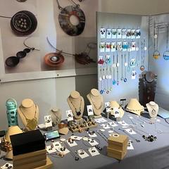 Presented by Diana Papazian, Papazian Design (Del Ray Artisans) Tags: delrayartisans dra 2019 market event holidaymarket holidaymarket2019weekend2 dianapapazian papazianjewelrydesigns