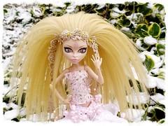 Viperine Gorgon OOAK (markta.s) Tags: doll dolls ooak viperine viperinegorgon viperinegorgonooak monsterhigh monsterhighdoll wig hair monster handmade clothes dollclothes winter outside nature
