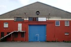 beim Dong Xuan Center / Herzbergstraße / Lichtenberg (galibier2645) Tags: berlin fenster blau tür