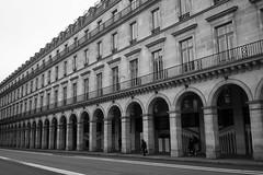 Rue de Rivoli, Paris (Loïc BROHARD) Tags: paris france landmark bnw blackandwhite noiretblanc