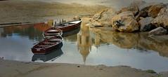 Barche (Va e VIENI) Tags: art ambrosioni zzmanipulation barche attracco molo spiaggia sabbia