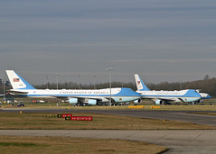 29000 & 28000 Boeing VC-25A US Air Force (Keith B Pics) Tags: londonstansted keithbpics stn potus 29000 28000 boeing vc25a usairforce af airforceone trump president b747 natosummit aerozone